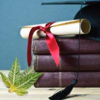 Which university will first offer an online pot growing class?