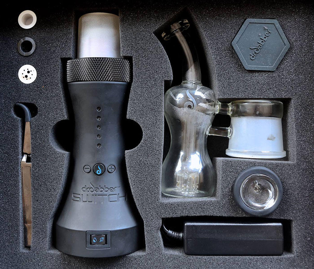 Dr Dabber Switch box contents