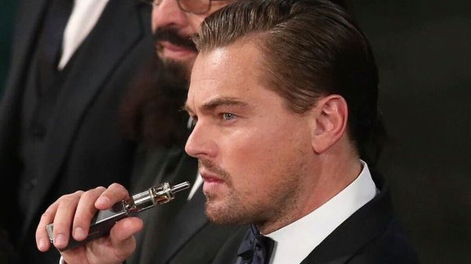 Leonardo di Caprio vaping