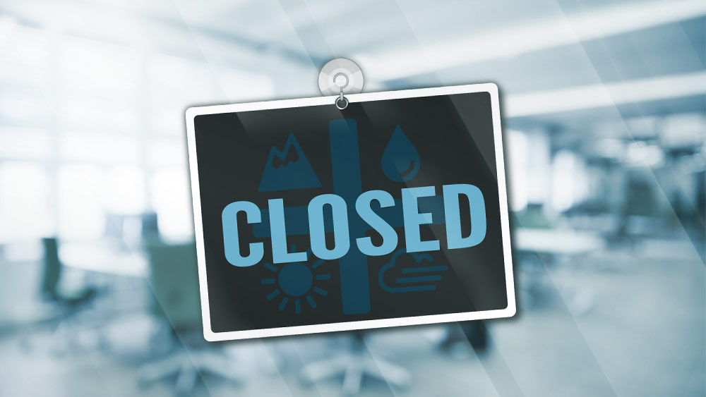 "An office sign that says ""Closed"""
